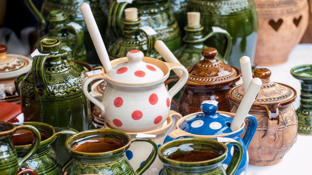 Ceramics in Sait Casimir's fair
