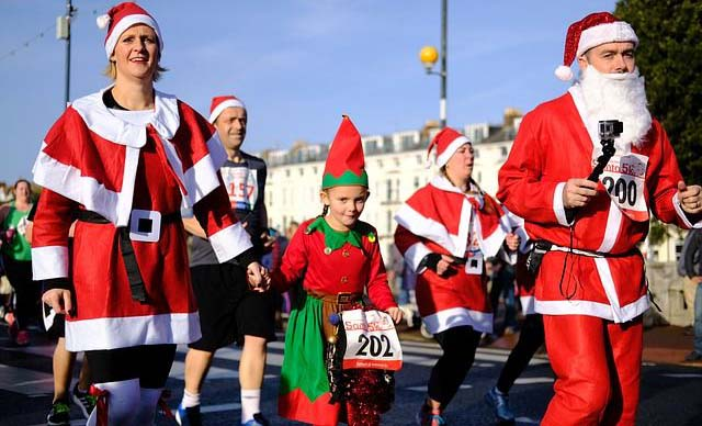 Visit Vilnius in Decmeber and join the fun Christmas run