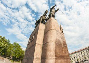 Meeting point, monument of Gediminas, Vilnius Free Tour and Vilnius Alternative Tour