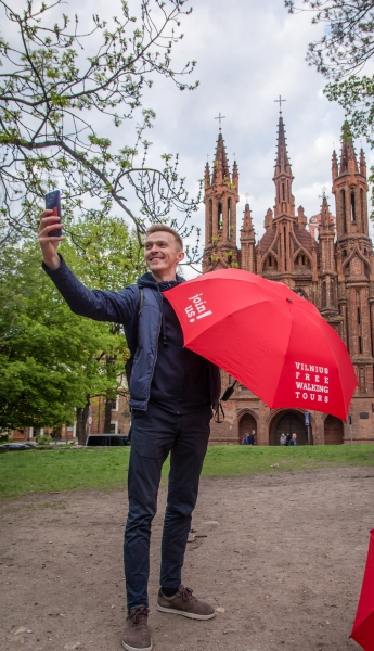 Vilnius Free Walking Tours. Join us every day and search for the red umbrella!