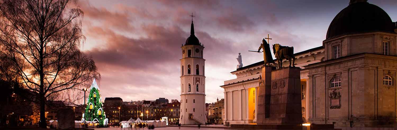 Vilnius free Walking tour meeting tour in December