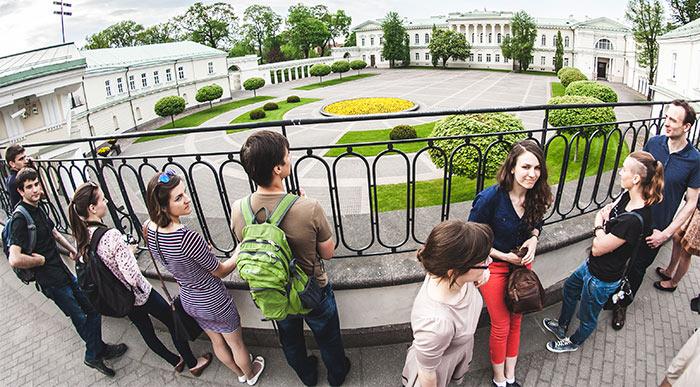 """Экскурсии в Вильнюсе на русском языке с командой """"Vilnius Free Walking Tours"""""""